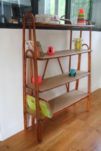 étagère bibliothèque rotin osier mobilier vintage années 50 60 Rouge Garden