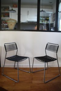 paire-de-chaises-scoubidou-et-metal-vintage-rouge-garden7