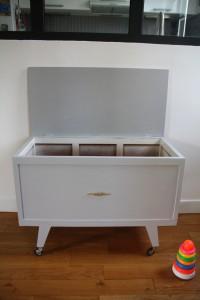 ancien coffre à jouets années 50 60 mobilier enfants vintage Rouge Garden