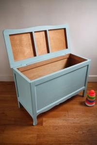 ancien coffre à jouets années 50 mobilier enfants vintage Rouge Garden