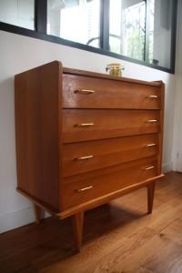 ancienne commode années 50 60 pieds compas mobilier vintage Rouge Garden