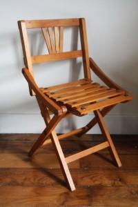 ancienne petite chaise pour enfants Rouge Garden