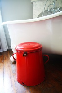 ancienne poubelle pot Rouge Garden2