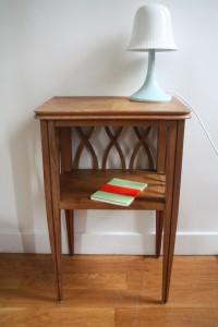 ancienne table de chevet années 50 bois mobilier vintage Rouge Garden