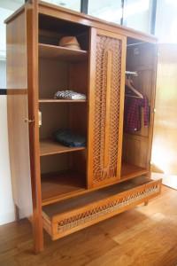 armoire en bois et rotin années 50 60 mobilier vintage Rouge Garden