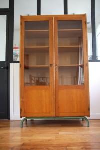 armoire vitrée école internat années 50 60 mobilier vintage Rouge Garden