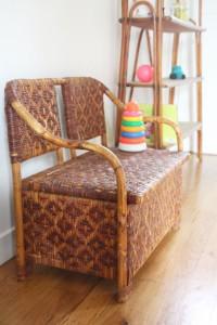 banc coffre à jouets vintage en rotin osier mobilier années 50 60 Rouge Garden