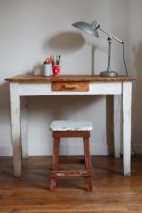 bureau bois et tabouret vintage Rouge Garden