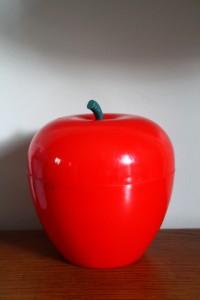 pomme glaçon rouge années 70 Rouge Garden