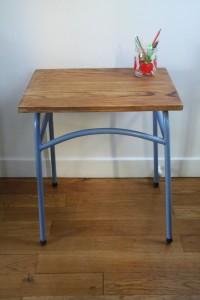 bureau enfant école pieds métal mobilier vintage Rouge Garden