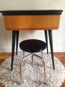 les petits rouge garden. Black Bedroom Furniture Sets. Home Design Ideas