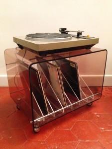 caisson table porte-vinyles années 60 70 mobilier vintage Rouge Garden