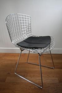 chaise bertoia années 60 mobilier vintage Rouge Garden