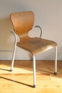 chaise enfant gascoin vintage école Rouge Garden