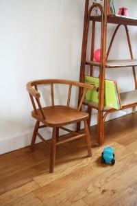 chaise fauteuil enfant bois ancien mobilier vintage Rouge Garden