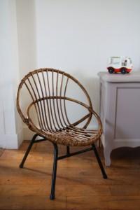 chaise fauteuil enfant rotin pieds métal années 50