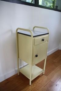 chevet internat années 50 mobilier vintage Rouge Garden