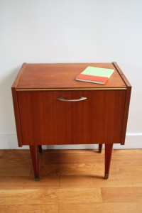 chevets années 50 en bois mobilier vintage Rouge Garden