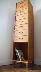 chiffonnier meuble casier rangement années 50 60 pieds compas mobilier vintage Rouge Garden