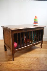 coffre à jouets ancien années 50 mobilier vintage Rouge Gard