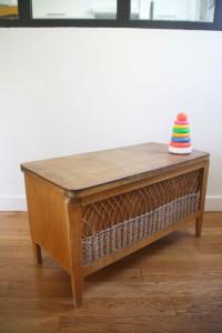coffre à jouets enfants rotin années 50 60 mobilier vintage Rouge Garden