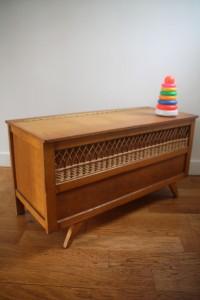 coffre en rotin osier années 50 60 mobilier vintage Rouge Garden