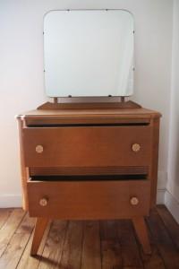 commode coiffeuse pieds compas mobilier vintage années 50 Rouge Garden