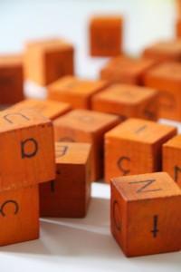 cubes en bois jouets vintage
