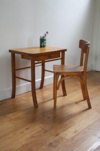 ensemble-table-et-chaise-baumann-rouge-garden3