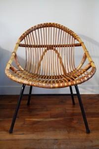 fauteuil adulte en rotin et pieds métal Rouge Garden