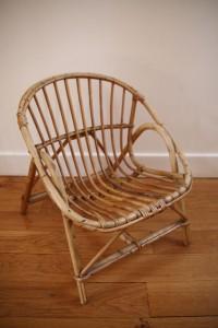 fauteuil rotin corbeille années 60 Rouge Garden