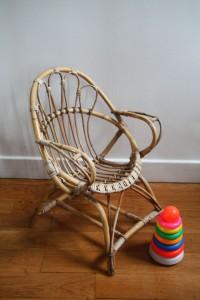 fauteuil rotin enfant années 50 60 mobilier vintage Rouge Garden