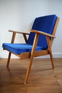fauteuil-scandinave-annees-50-rouge-garden
