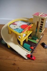 garage ficher price jouet vintage Rouge Garden