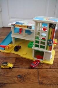 garage jouet vintage Rouge Garden