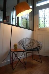 lampadaire années 50 tablette formica mobilier vintage Rouge Garden