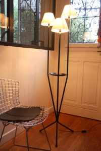 lampadaire vintage années 50 tripode mobilier vintage Rouge Garden