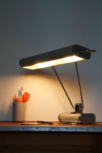 lampe de bureau Jumo N°71 d'Eileen Gray années 50 Rouge Garden