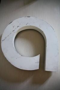 lettres enseignes vintage Rouge Garden a blanc