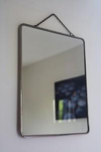 miroir barbier chainette Rouge Garden