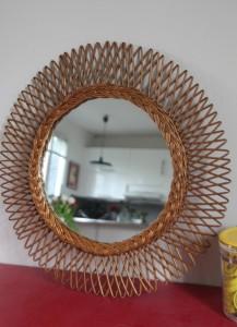 miroir rotin soleil Rouge Garden