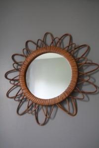 miroir soleil rotin Rouge Garden