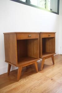 paire de chevets table de nuit mobilier vintage années 50 70 Rouge Garden