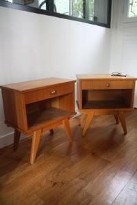 paire de chevets tables de nuit années 50 60 mobilier vintage Rouge Garden