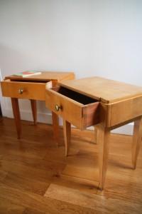 paire de table de nuit chevets années 50 60 pieds compas mobilier vintage Rouge Garden