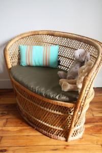 petit banc fauteuil enfant en osier rotin Rouge Garden