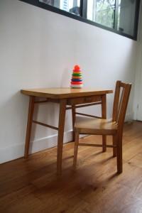 petit bureau et chaise Baumann années 50 mobilier vintage enfants Rouge Garden