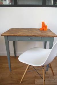 petit bureau table ferme en bois vintage Rouge Garden