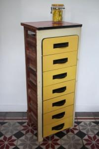 petit meuble chiffonnier formica mobilier vintage Rouge Garden