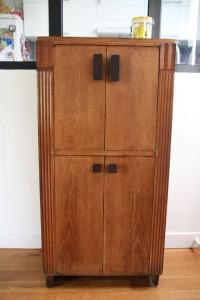petite armoire ancienne en bois art déco mobilier vintage Rouge Garden